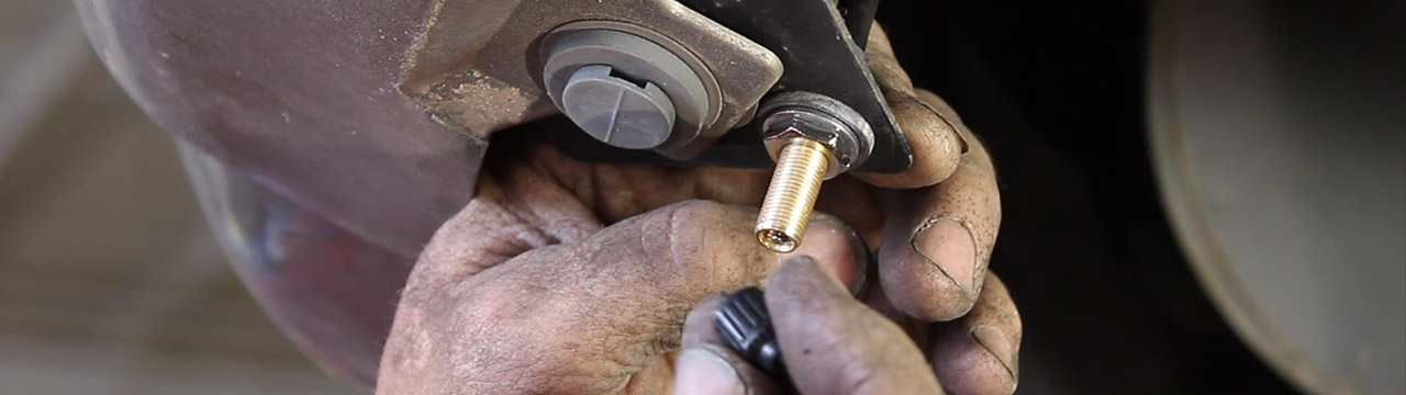 How To Release Air Pressure from a Schrader Valve